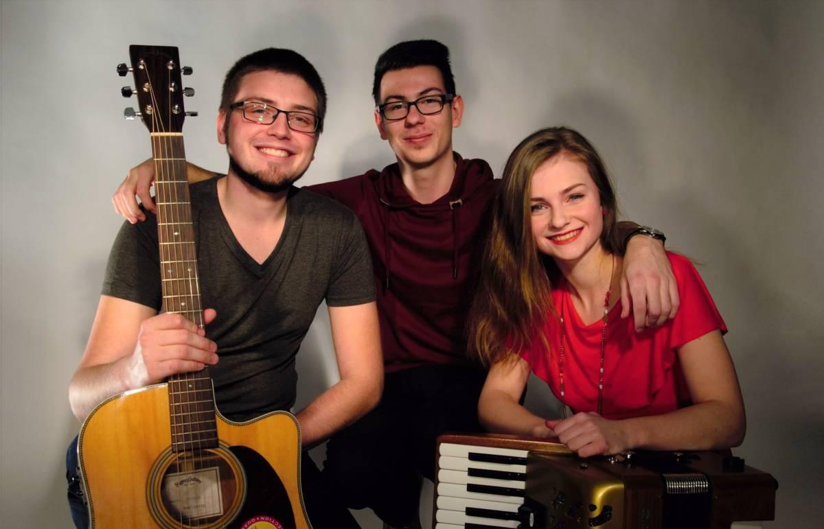 Tři Vykřičníky – folková kapela